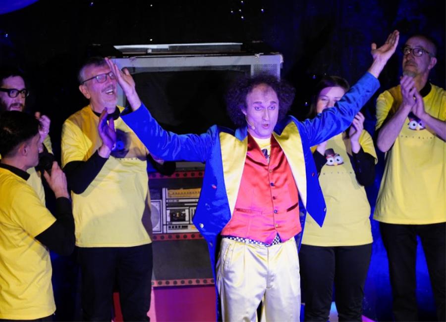 Grande entusiasmo e stupore per Knilb chiama Blink al teatro Iris di Dronero